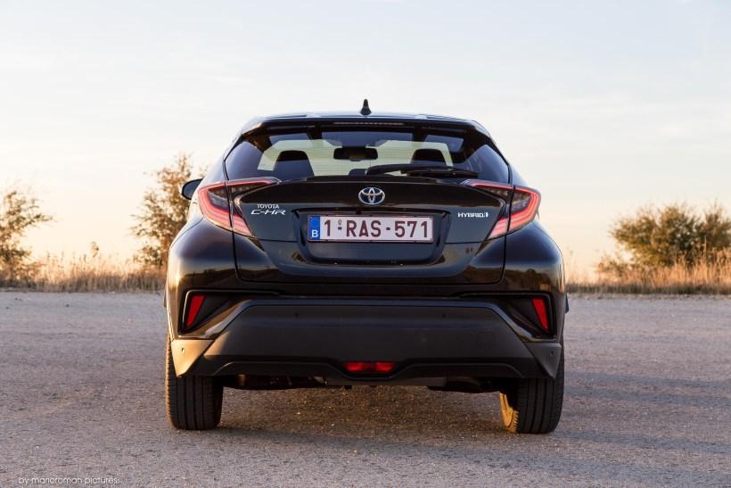 2017 Toyota C-HR Hybrid | Fanaticar Magazin