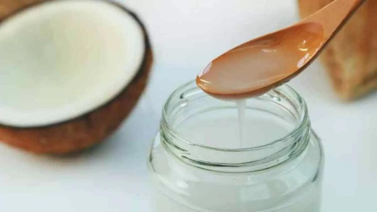 Óleo de coco ajuda a emagrecer e queimar a gordura da barriga
