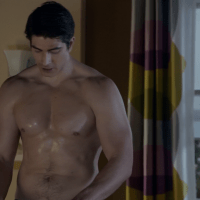 "Brandon Routh as Brandon Stone, Parker Young as Private First Class Randy Hill and Geoff Stults as Staff Sergeant Pete Hill shirtless in Enlisted 1x12 ""Army Men"""