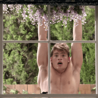 "Gregg Sulkin as Liam Booker shirtless/naked in Faking It 2x01 ""The Morning Aftermath"""