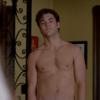 """Charlie DePew as Jake Salt shirtless in Famous in Love 1×03 """"Not So Easy A"""""""