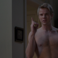 "Graham Rogers as Caleb Haas shirtless in Quantico 2x19 ""Mhorder"""