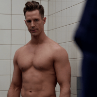 "Jason Dohring as Chase Graves shirtless in iZombie 3x11 ""Conspiracy Weary"""