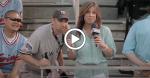 Tech :  Un fan des Yankees de New York mange une côtelette de porc du journaliste sur la télévision en direct [VIDEO]  infos , tests