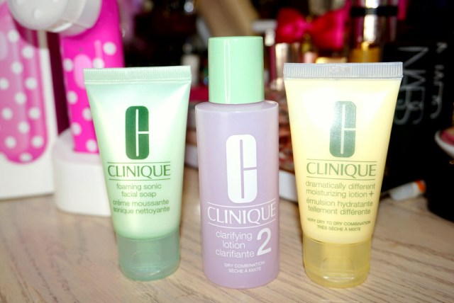 Clinique 3 Step: Foaming Sonic Facial Soap, Clarifying Lotion, Dramatically Different Moisturizing Lotion +