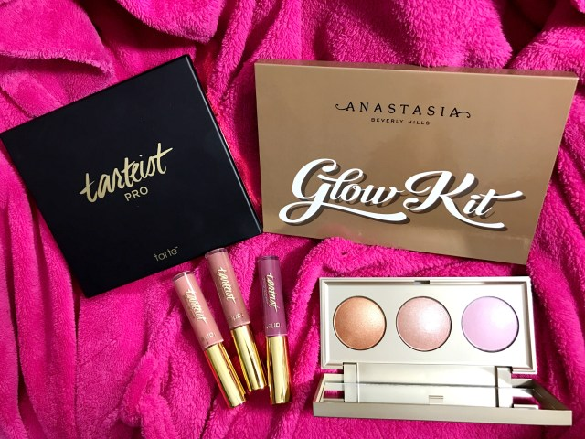 Tarte Tarteist Pro Eyeshadow Palette, Anastasia Beverly Hills Ultimate Glow Kit, Stila Star Light Star Bright Highlighting Palette, Tarte Tarteist Glossy Lip Paint Double Tap, Snap, Slay Swatches on Dark Skin
