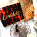 Makeup Palettes for Christmas: Tarte Tartelette Toasted Eyeshadow Palette, Tarte Park Ave Princess Chisel Contour Palette Bronzer Bar, Becca Apre Ski Glow Collection Eye Lights Palette Bobbi Brown Bobbi to Glow HIghlighting Trio
