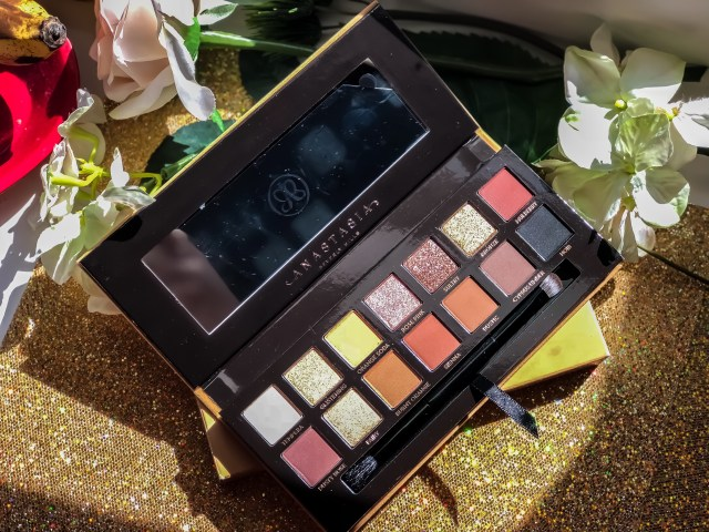 Anastasia Beverly Hills Soft Glam Eyeshadow Palette Review Swatches on Dark Skin Black Women