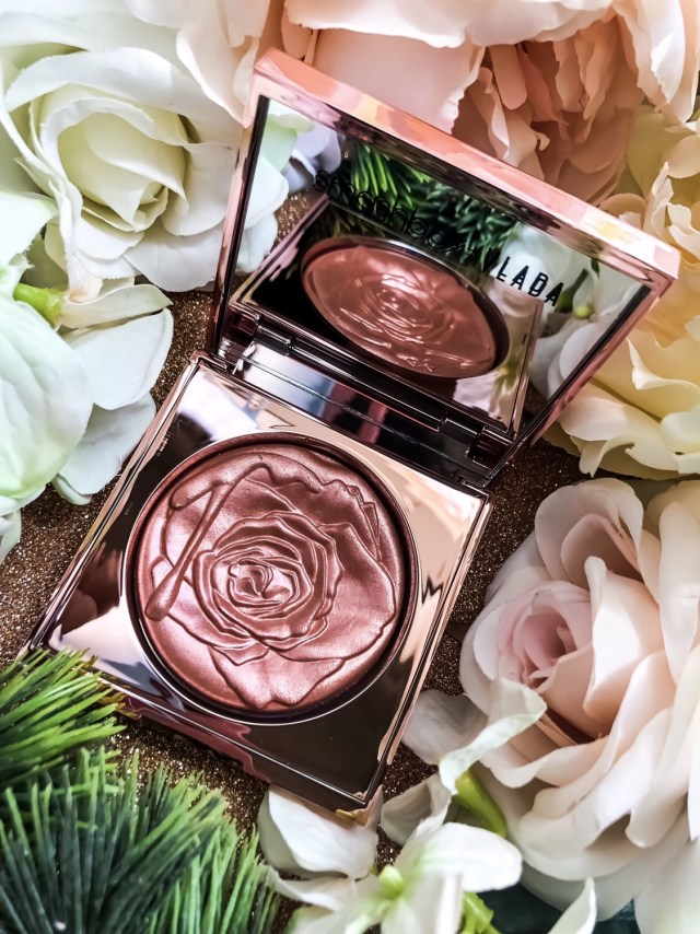 Smashbox x Vlada MUA Petal Metal Collection: Petal Metal Highlighter in Rosemantic Swatches on Dark Skin