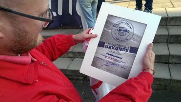 """Urkunde zur OFC-Ernennung mit k""""l""""einem Fehler in der Schreibweise unseres Fanclubnamens"""