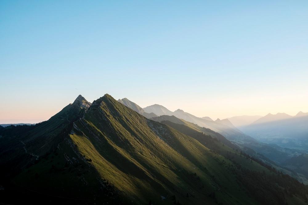 Soft-Morning-Light-Mountains