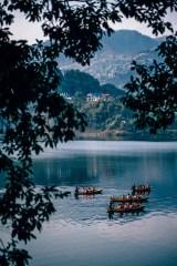 Lake-Exploration