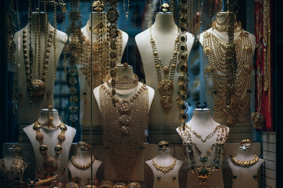 Golden-Jewelry-and-Necklaces-placed-on-Mannequins-for-Sale