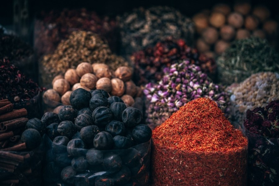 Many-Bags-Filled-With-Spices-at-the-Market-in-Dubai