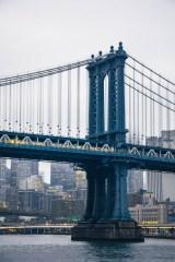 The-Beautiful-Manhattan-Bridge-and-a-Metro-Driving-Through