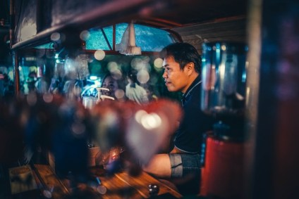 Asian-Coffee-Maker-Waiting-for-Orders-at-the-Night-Market