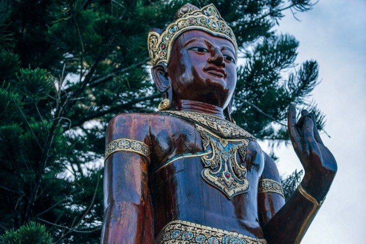 Burgundy-Thai-Statue-Inside-Doi-Suthep-Temple