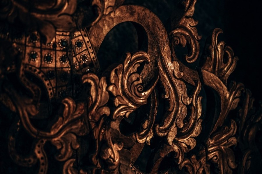 Close-up-Shot-of-Wooden-Decorations-in-the-Doi-Suthep-Temple