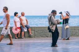 Homeless-Man-Asking-for-Money-in-Yalta