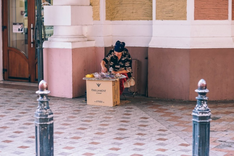 Old-Woman-Selling-Seeds-on-the-Streets-of-Yalta