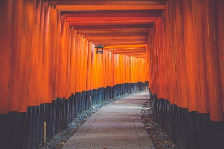 The-Amazing-Torii-Gates-at-the-Fushimi-Inari-Taisha