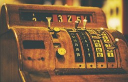 Vintage-Cash-Register-with-Black-and-White-Buttons.