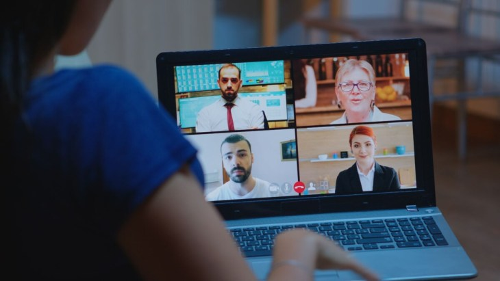 how to spot the difference between webinars and online meetings
