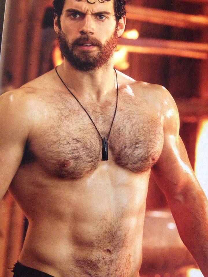 henrycavill_shirtless_mos
