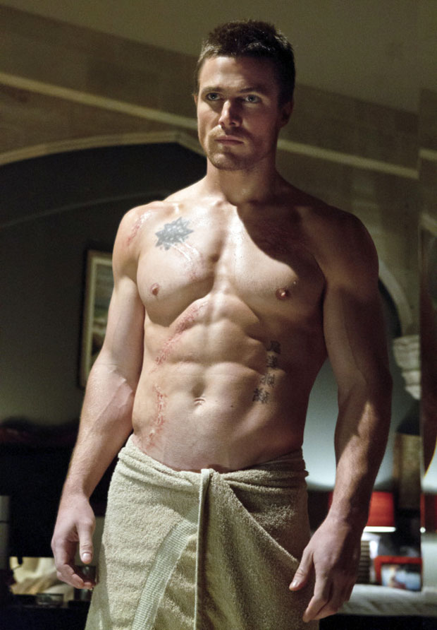 stephen_amell_shirtless