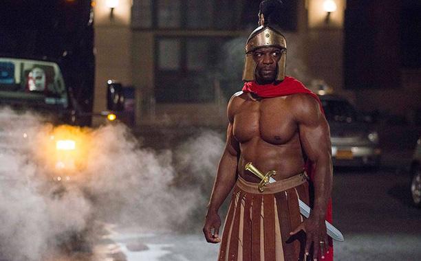 terrycrews-brooklyn99-gladiator-halloween