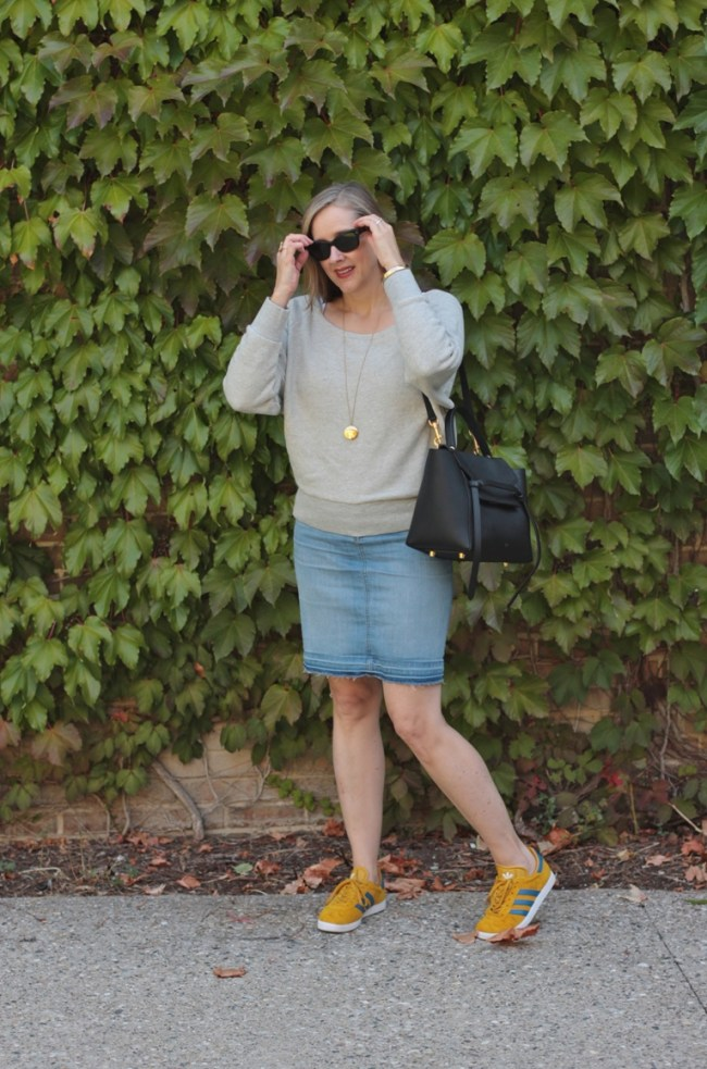 retro yellow and blue striped adidas gazelles, over 40 fashion blogger, over 40 style blogger