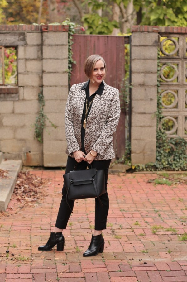 All black basics with a leopard print blazer, 40+ style blogger, 40 + fashion blogger