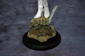 Emma Frost Premium Format Figure 008