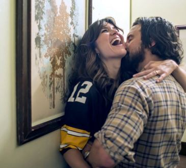 "THIS IS US -- ""The Game Plan"" Episode 105 -- Pictured: (l-r) Mandy Moore as Rebecca, Milo Ventimiglia as Jack --"