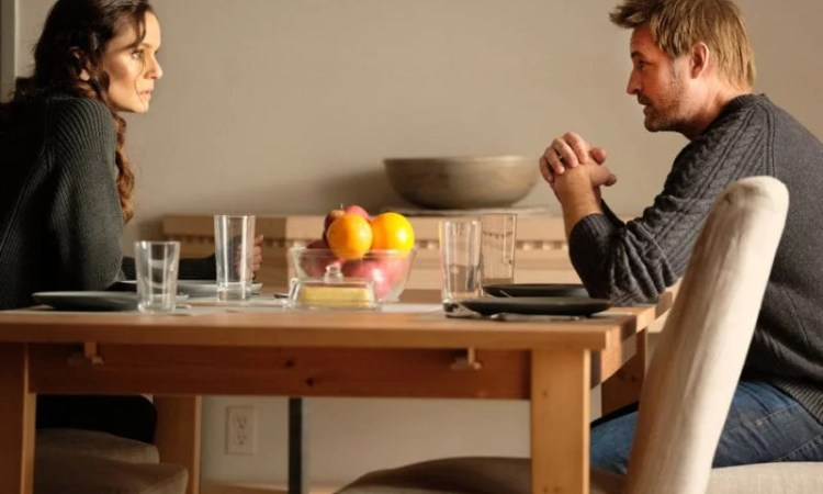 """COLONY -- """"Sea Spray"""" Episode 310 -- Pictured: (l-r) Sarah Wayne Callies as Katie Bowman, Josh Holloway as Will Bowman -- (Photo by: Eric Milner/USA Network)"""