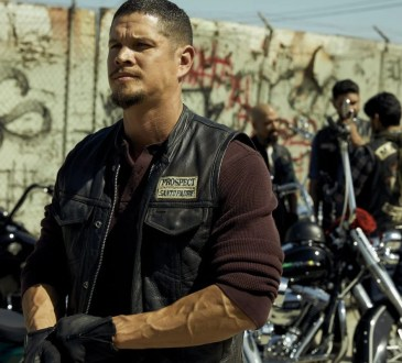 MAYANS M.C. -- Pictured: JD Pardo as EZ Reyes.