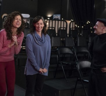 "SPEECHLESS - ""S-T-- STAGE MOM"" ""Speechless,"" on The ABC Television Network. (ABC/Richard Carwright) MINNIE DRIVER, LIZ CACKOWSKI, JONATHAN SLAVIN"
