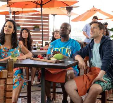 """BROOKLYN NINE-NINE -- """"Honeymoon"""" Episode 601 -- Pictured: (l-r) Melissa Fumero as Amy Santiago, Andre Braugher as Ray Holt, Andy Samberg as Jake Peralta --"""