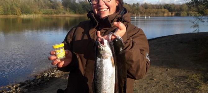 Mjøls Lystfiskeri: Trine fangede ørreden