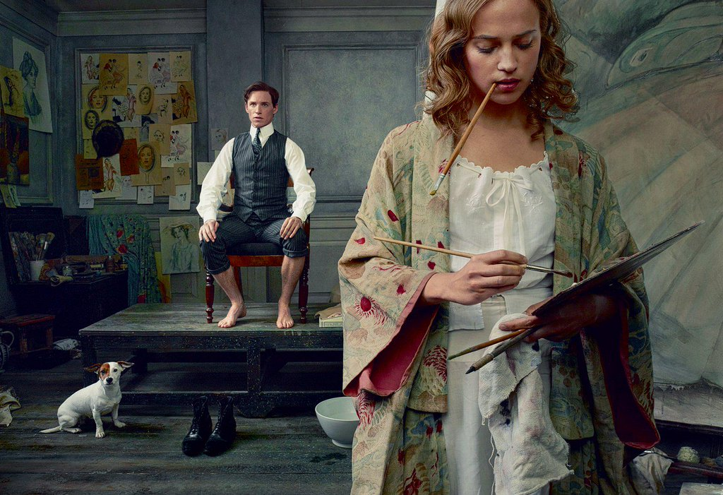 Alicia Vikander painting Eddie Redmayne in The Danish Girl