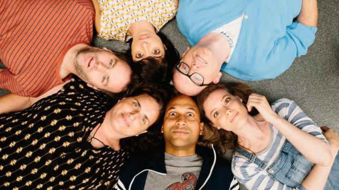 Group picture in circle with Mike Birbiglia, Gillian Jacobs, and Keegan-Michael Key in Don't Think Twice
