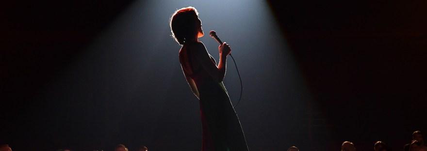 Helen Reddy singing I Am Woman