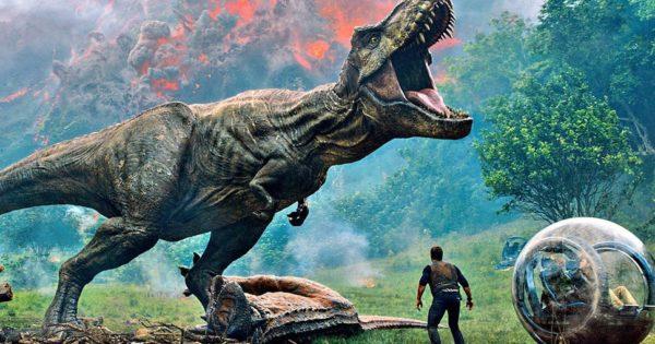 T-Rex roaring with Chris Pratt in Jurassic World: Fallen Kingdom