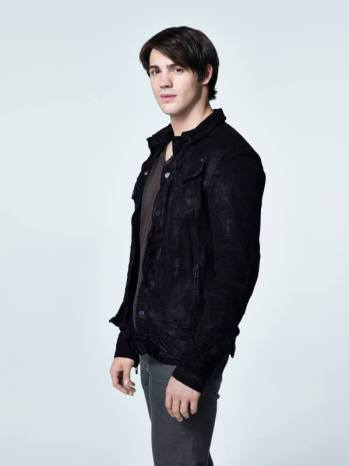 Steven R. McQueen as Jeremy Gilbert