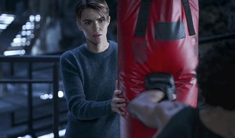 "'Batwoman' 1x17 Review: ""A Narrow Escape"""