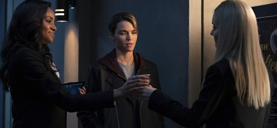 """'Batwoman' 1x19 Review: """"A Secret Kept From All the Rest"""""""