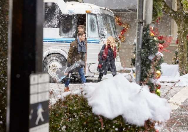 Time For Me To Come Home For Christmas 2020 See The Photos For Hallmark Channel's 'Time for Me to Come Home