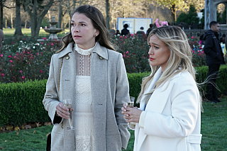 """Younger Final Season Premiere Review: """"Younger Forever"""""""