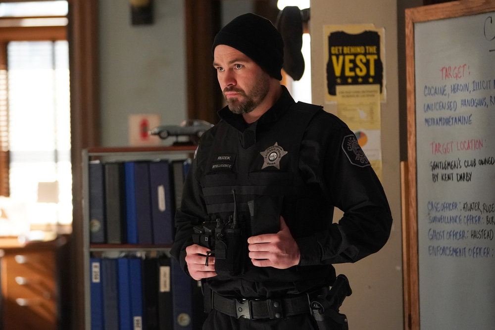 """CHICAGO P.D. -- """"The Other Side"""" Episode 816"""