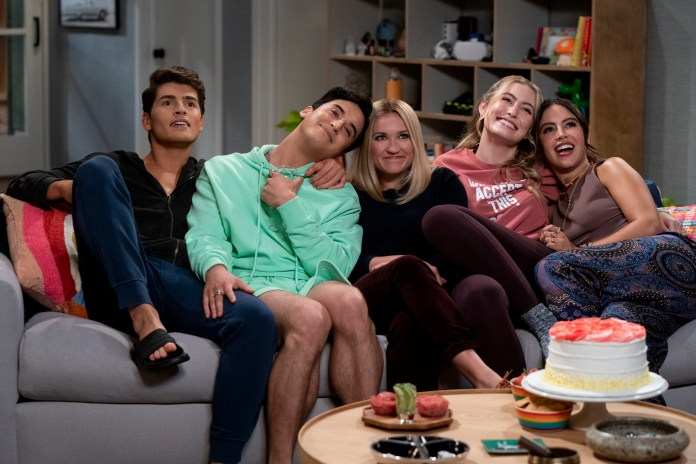 See The Trailer And Photos For 'Pretty Smart' - Fangirlish